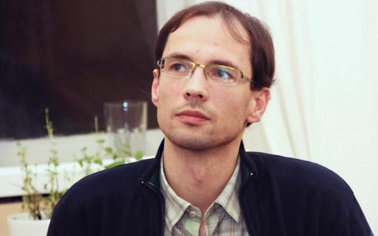 Brno blokuje. Filozof Škabraha o extremismu i o tom, co udělal odsun Němců po válce s českou společností. Jsme xenofobní proto, že jsme moc sourodá společnost