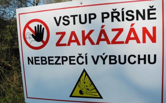 Výbuchy v muničáku ve Vrběticích neskončily, evakuovaní žádají odškodnění. A vynořila se spousta skandálů okolo firmy Imex Group i celého areálu...