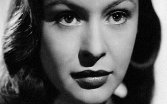Bolestná cesta české Sofie Loren. Měla smůlu na chlapy, prodělala několik infarktů a v šedesáti ji zabila rakovina. Tajnosti slavných