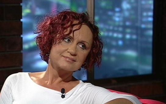 Otřesné zážitky české rockové královny, kterou zradila vlastní máma. Co ji ale dohnalo až k pokusu o sebevraždu? Tajnosti slavných