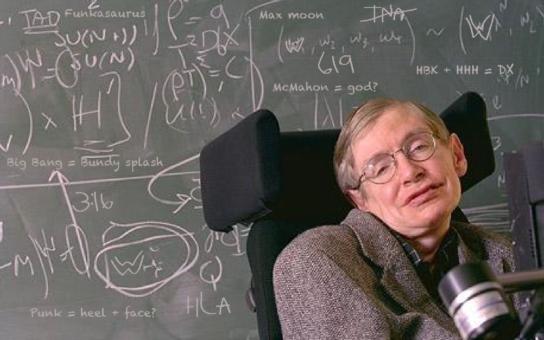 Užijte si Vánoce, ty letošní budou poslední, říká geniální fyzik Stephen Hawking. Co ho k tak alarmujícím slovům vede?