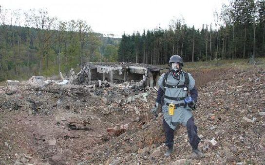 Bordel v muničních skladech je zatraceně výnosný kšeft! Dokud nedojde k maléru. O co jde ve Vlachovicích a kdo za to vlastně může?