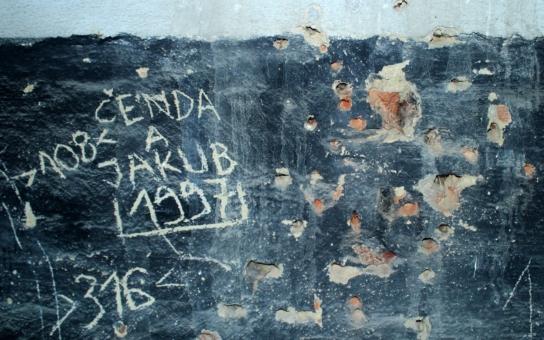 Popravčí místo, kde zastřelili české studenty, není pietně označeno, je z něj skladiště! Jak veteráni bojují s úředníky a který ministr dostal přezdívku Savo?