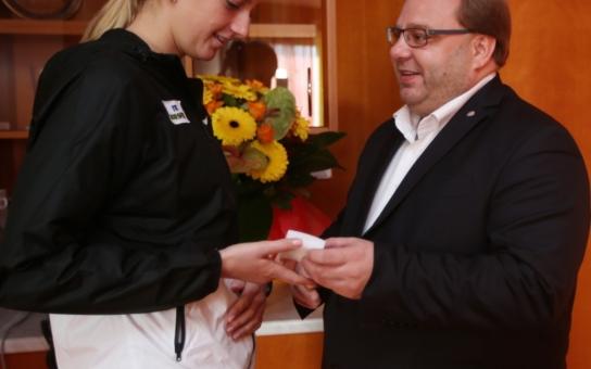Tenistka Petra Kvitová dostala neobvyklý luxusní dárek. Neuvěříte, kdo se tak 'praštil' přes kapsu!