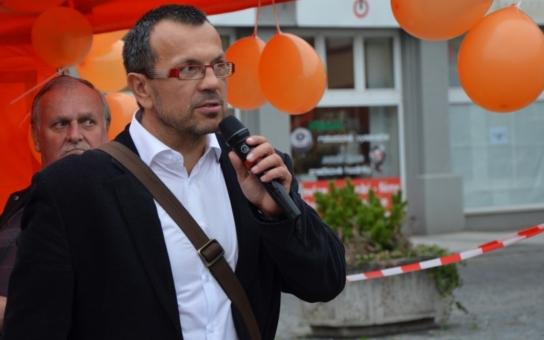 Sociální demokraté na Ústecku zvolili nového předsedu. A poslali pádný vzkaz Jiřímu Dienstbierovi! Řešili i zrušenou buňku v Duchcově