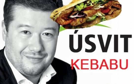 Kebab ne, raději suši. Internet se posmívá Okamurovu návodu, jak na muslimy. Jen to není moc vtipné, Tomio je ve své naivní pitomosti mnohem legračnější