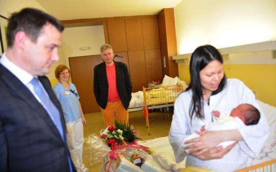 Někdy čekáme až do února. Co dostali první chlapeček a holčička na Liberecku a jakou 'nadílkou' odstartoval rok v krajském městě?