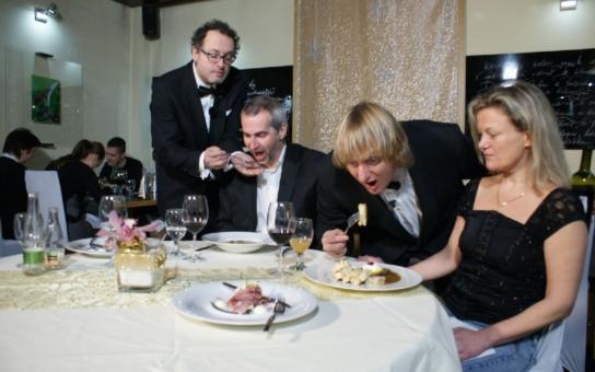 Brno chce trumfnout Ples v Opeře: Podávat se budou steaky z tuňáka, mušle Svatého Jakoba, vepřová líčka, grilovaná kachní foie gras. A zbytky prý dostanou bezdomovci...