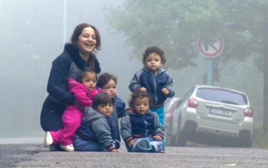 Svoboda tisku po česku: Za právo provokovat manifestujeme, za kritiku romské rodiny stavíme na pranýř! Když řekla pravdu o rodině paterčat…