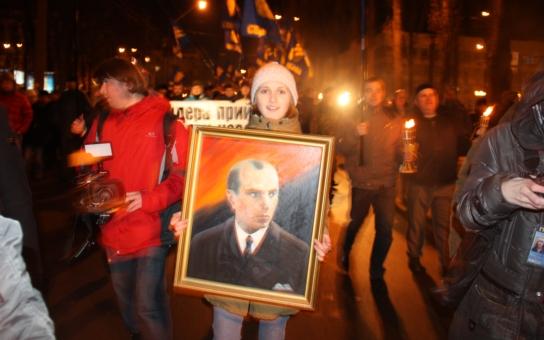 Byl na Ukrajině oslavovaný Bandera nacista? Jak to bylo doopravdy? Bývalý novinář vyvrací některé mýty, kterým prý podlehl i prezident, a uvádí tvrdá fakta