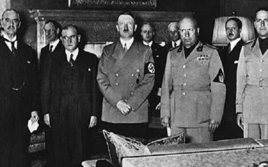 Brněnský soud řešil, zda vydání knihy Hitlerových projevů je, či není trestným činem. Vydavatelé jsou spokojeni