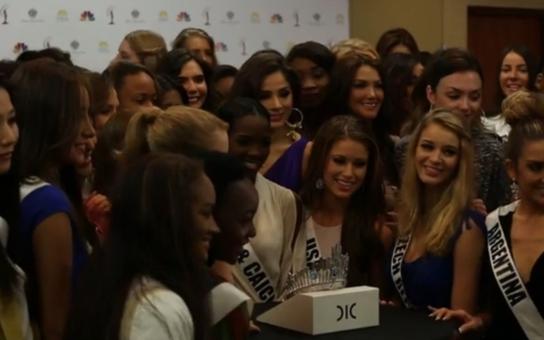 Podívejte se, co je echtovně českého na nové Miss Universe z Kolumbie. Má to cenu 300 tisíc dolarů a inspiroval to newyorský Manhattan