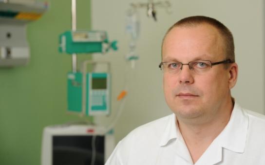 Útroby pacientova břicha nyní chirurg vidí jako 3D obraz. V Liberci na to mají speciální věž. Lékaři se učí na trenažéru jako piloti