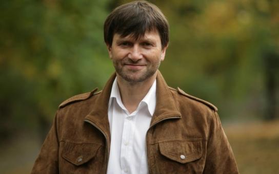 """Busta fidli! Principál Hrušínský se stále zlobí na nové vedení ND: """"Uměle zveličené a cenami ověnčené NIC, přes které se hrabou veřejné peníze!"""" Má pravdu?"""