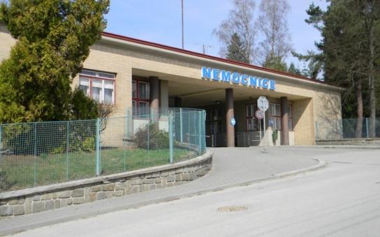 Na jihu Čech nemocnice ještě dlouho nepočítají s tím, že povolí návštěvy. Výjimkou je Písek