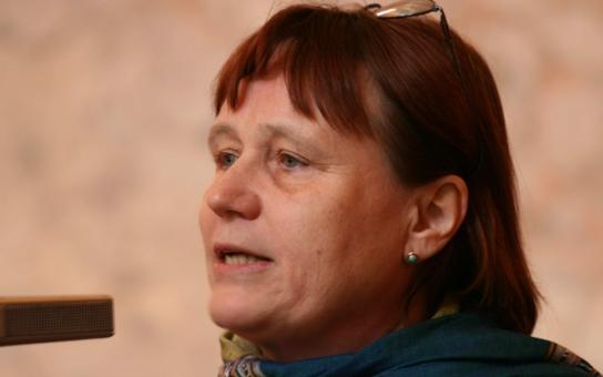 Děsivé svědectví ombudsmanky: Alkoholici vedle schizofreniků, pobíhají po chodbách v plenkách a na sprchu čekají nazí ve frontě. Peklo v Letinách