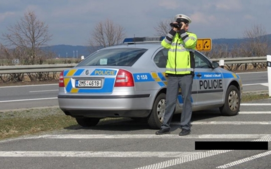 Přes dvě stovky řidičů jezdí na Olomoucku bez dálniční známky. Policie si na ně pořádně posvítila