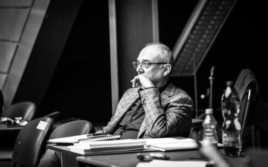Nečekaná, tragická smrt producenta Kovarčíka. Co bude dál s českými muzikály? Máme informace... Tajnosti slavných
