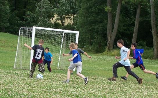 Sportovat by měly děti i na venkově. Senátoři mají připomínky ke koncepci státní podpory sportu