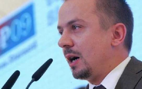 Ti šašci… Tady může demonstrovat blázen i přívrženec páté kolony Ruska u nás, říká plzeňský topkař Marek Ženíšek o konvoji