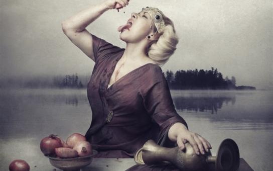 Hříšnice Dagmar Pecková se kaje. Operní diva přiznává, že měla další životní krizi. Byla to jedna velká tyranie, svěřuje se. Pomohl jí i kardinál Duka. Tajnosti slavných