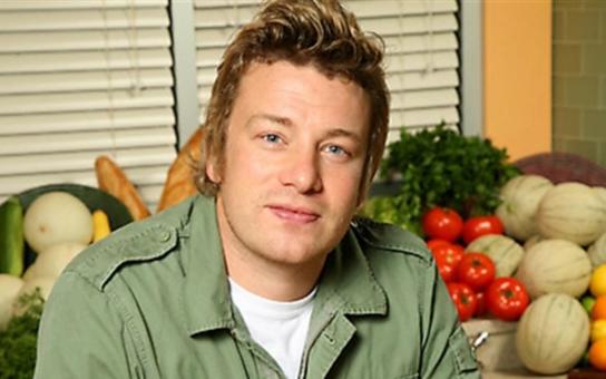Proti je i slavný kuchař Jamie Oliver: Evropa se promění v toxickou skládku a Česko v popelnici. Tak vidí budoucnost pod diktátem USA odpůrci obchodní smlouvy TTIP