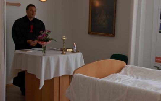 Jihomoravský kraj podporuje domácí hospicovou péči, letos rozdělí 10 milionů. Je to víc než loni