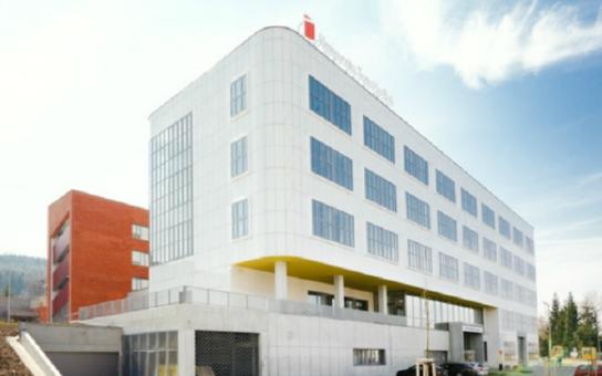 Zlínská vysoká škola má novou výzkumnou budovu. Chlouba univerzity, projekt za tři čtvrtě miliardy, může sloužit i inovacím v podnikatelském prostředí