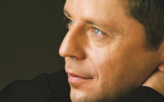 Sex, drogy a Petr Muk: 24. května uplyne pět let od smrti výjimečného zpěváka. Máme ukázky z nejotevřenější knihy o něm