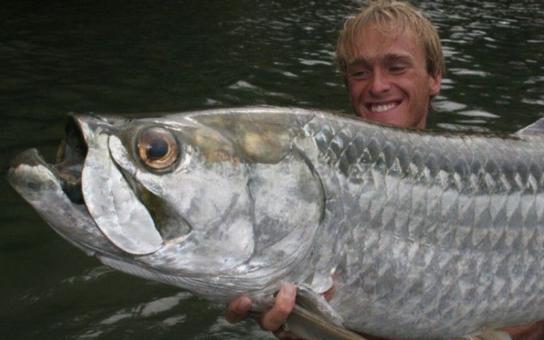Jak vyhodit státní peníze do kanálu: Jezte ryby, chce to ministr zemědělství. Investuje 4 a půl milionu, profitovat ale bude rybář Jakub Vágner