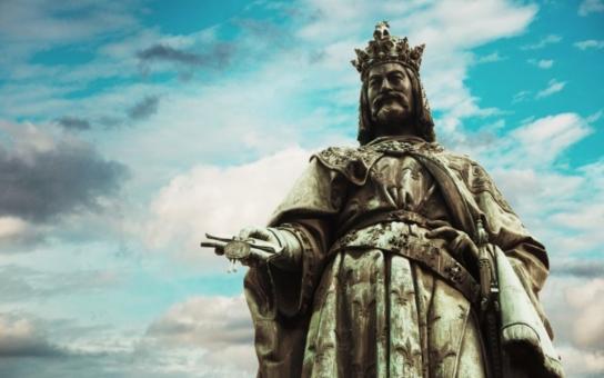 Pokrytecký kvikot kvůli hymně na počest Karla IV: Další malér na pražském magistrátu, válčí  spolu ministr Hermann s Dolínkem z ČSSD. Ten prý dostal od Landy výhružnou SMS