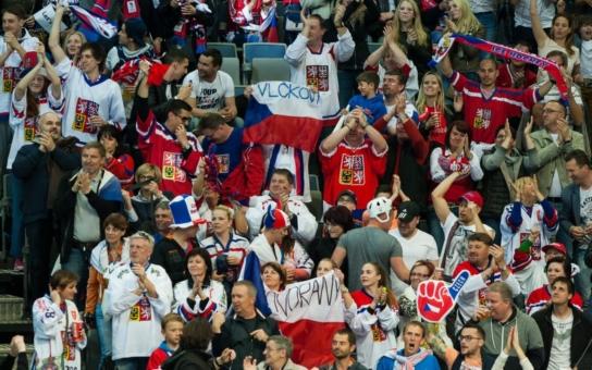Sprostou Krndu vypískali, obří daňový podvod, říká ekonomka… Slavný hokejista Bříza mluví o zákulisí, jak zlobili Rusové a kolabuje český hokej. O mistrovství se pořád mluví