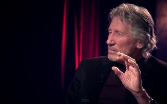 Roger Waters ze světoznámých Pink Floyd i slavný Noam Chomsky si vzali na paškál Česko a jdou do nás tvrdě. Co se to proboha děje?