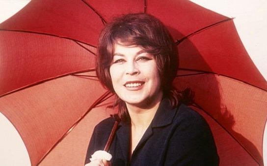 StB, kriminál, alkohol… Co zničilo život i kariéru mimořádně talentované zpěvačky s nezapomenutelným hlasem, české bluesové královny? Tajnosti slavných