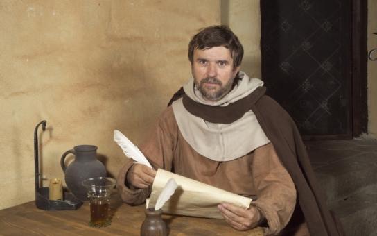 Pro někoho je Jan Hus mučedník, pro jiného kacíř. V jednom filmu je vtělením Gottwalda, v tom novém Havla. Teď si vyberte, říká spisovatel Vondruška, jeho potomek