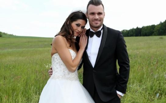 Leoš Mareš a Petra Faltýnová mají komorní svatbu. Budou se brát 18. června na louce, jen se dvěma svědky, které dobře znáte...