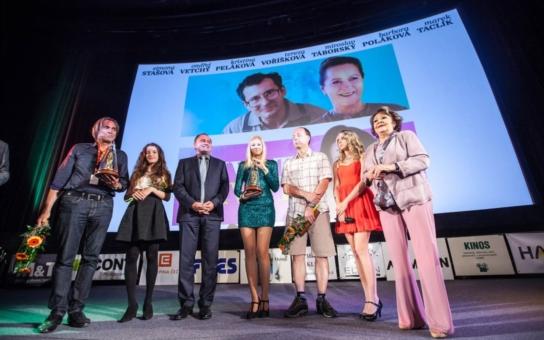 Známý festival české filmové a televizní komedie Novoměstský hrnec smíchu má vítěze, je to Cieslarův Život je život a pohádka Kdyby byly ryby