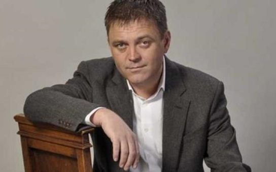Kauza bývalého europoslance Roberta Duška z Liberce: Podezřele levné nemovitosti pro lidi z politikova okolí? Třeba laciná ubytovna, která pěkně vynáší... A do toho odsouzený neonacistický vrah z ČSSD