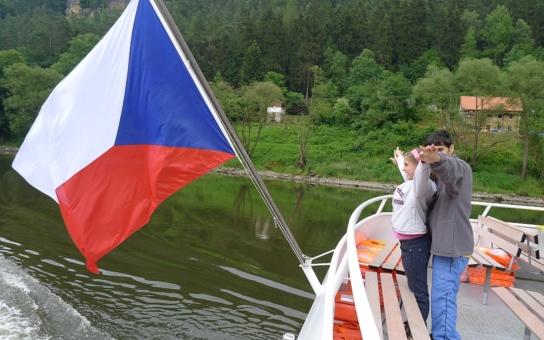 Jedličkův ústav v Liberci poznával krásy Děčínska z paluby lodi