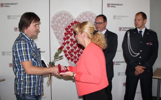 Více než dvacet dárců převzalo Zlaté kříže II. stupně za 120 odběrů krve