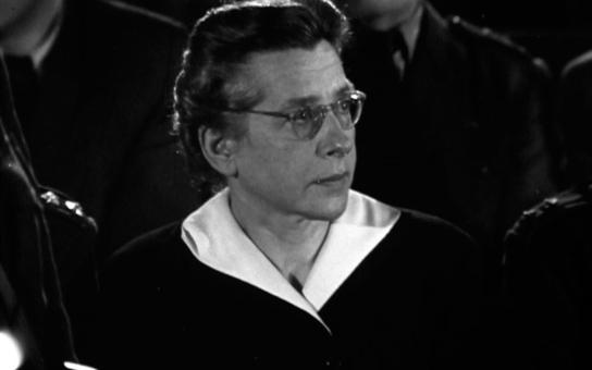 Přežila gestapo, koncentrák i nacistickou káznici a přátelé ji varovali, že jde o život. Manžel se skrýval a pak emigroval, ona už to nestihla. Tajnosti slavných