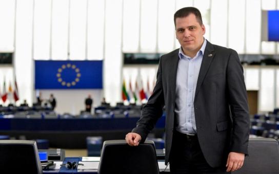 Europoslanec Zdechovský a jeho fake news. Komentář Štěpána Chába