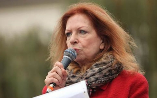 Lenka Procházková: Církev se nezměnila, pořád je chamtivá a bojí se pravdy. Hus jí to vmetl do tváře, kacíř stvořil duši českého národa