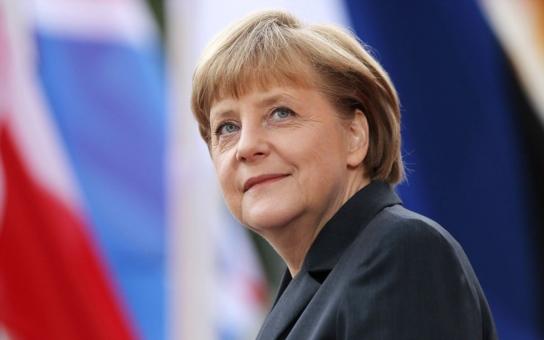 Tohle si šéfka Německa za rámeček nedá! Angelo Merkel, ničíš řecké hospodářství a máš na triku humanitární krizi. To nezní od levičáků, ale respektovaných ekonomů