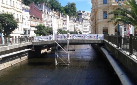 Skandální útok novináře na filmové Karlovy Vary: Vysmívá se světovým lázním a jejich klientům, jsou to prý popíječi slané vody