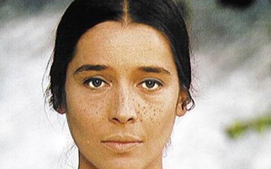 Měla smůlu na chlapy a nemanželského syna s Jandákem. Proč nádhernou Libuši Geprtovou maminka nechtěla a co ji nakonec zabilo? Tajnosti slavných