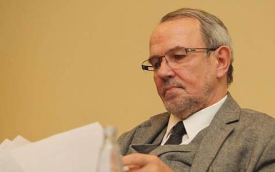 Nevídaný skandál: Česká policie šmírovala komerční banky i zpravodajské servery včetně Protiproudu a Parlamentních listů. Komentuje Petr Hájek a další