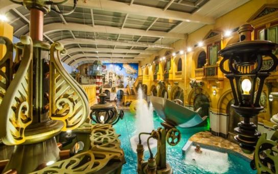 Liberecký Aquapark je jediný vodní svět ve střední Evropě s designem ve stylu steampunku. Nyní ho zdobí nová panoramatická nástěnná malba