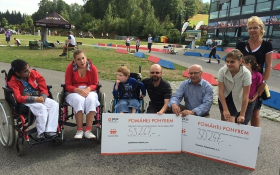 Na MS v orientačních závodech 'vyšlapali' závodníci 103 514 korun pro handicapované. Podělí se o ně Raspenava a Jedličkův ústav v Liberci