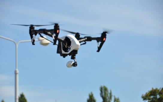 Plzeň má povolení k provozu leteckých prací s drony, využije je i při kontrole budov, mostů, střech